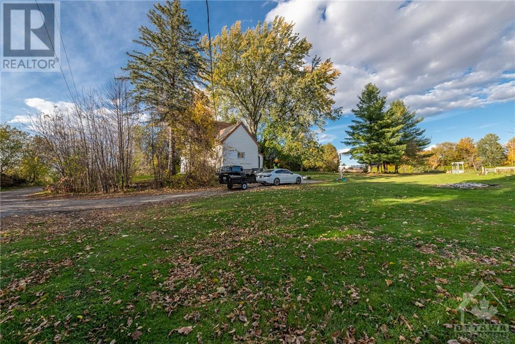 2800 Pierce Road, North Gower, Ontario  K0A 2T0 - Photo 3 - 1215718