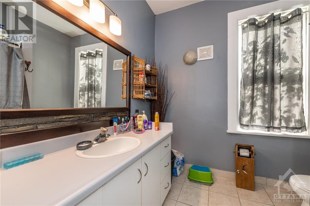 2800 Pierce Road, North Gower, Ontario  K0A 2T0 - Photo 16 - 1215563